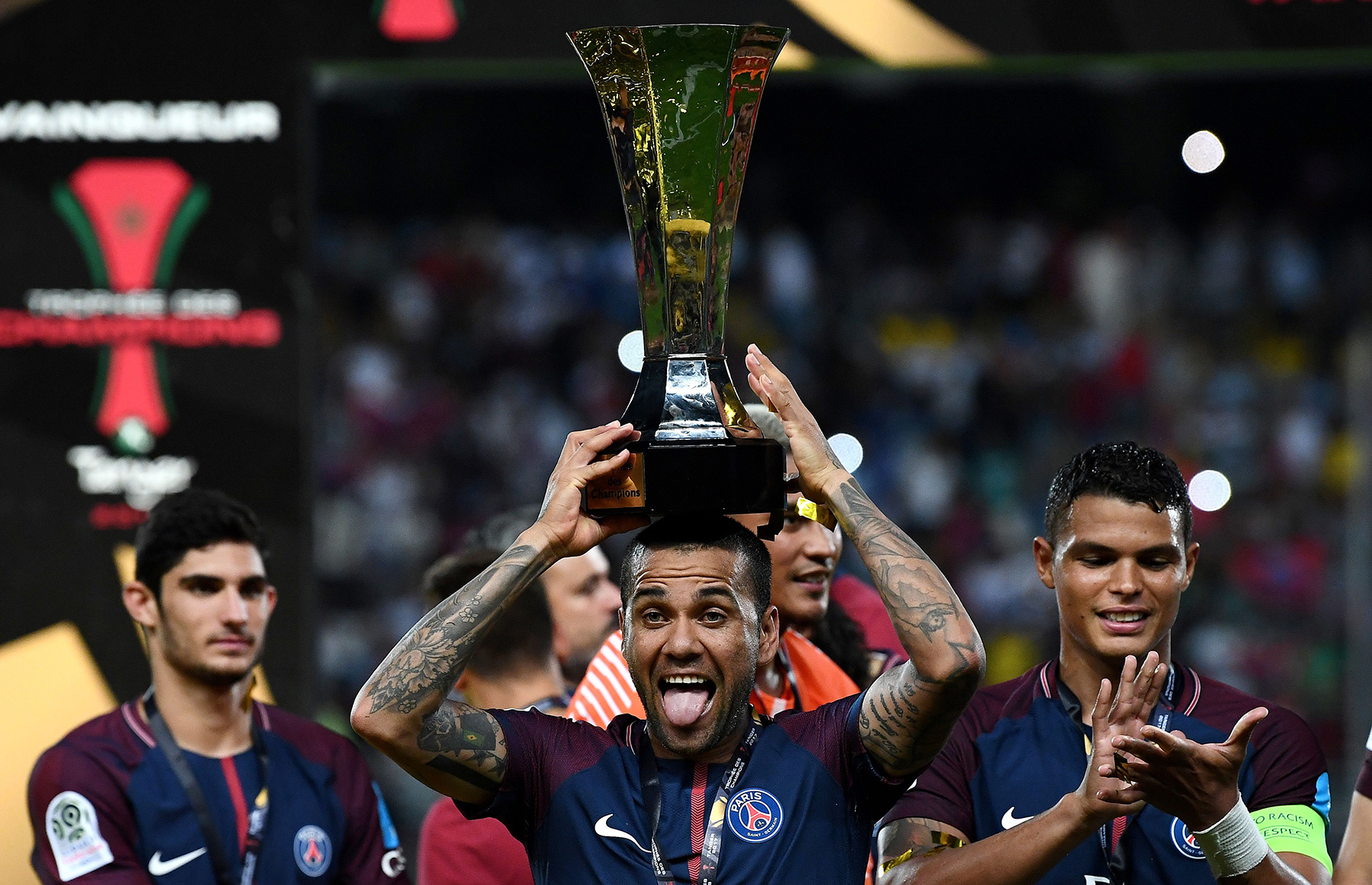 Dani Alves Leads PSG To Troph U00e9e Des Champions Win PSG Talk