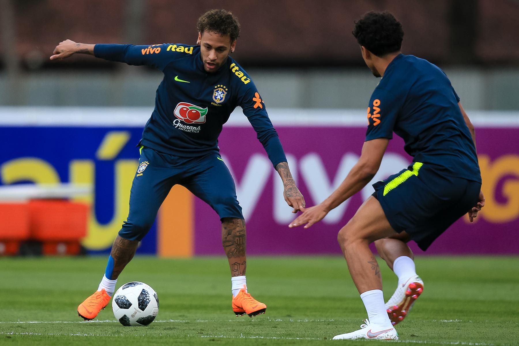 เนย์มาร์ และ มาร์ควินญอส ติดทีมชาติบราซิล