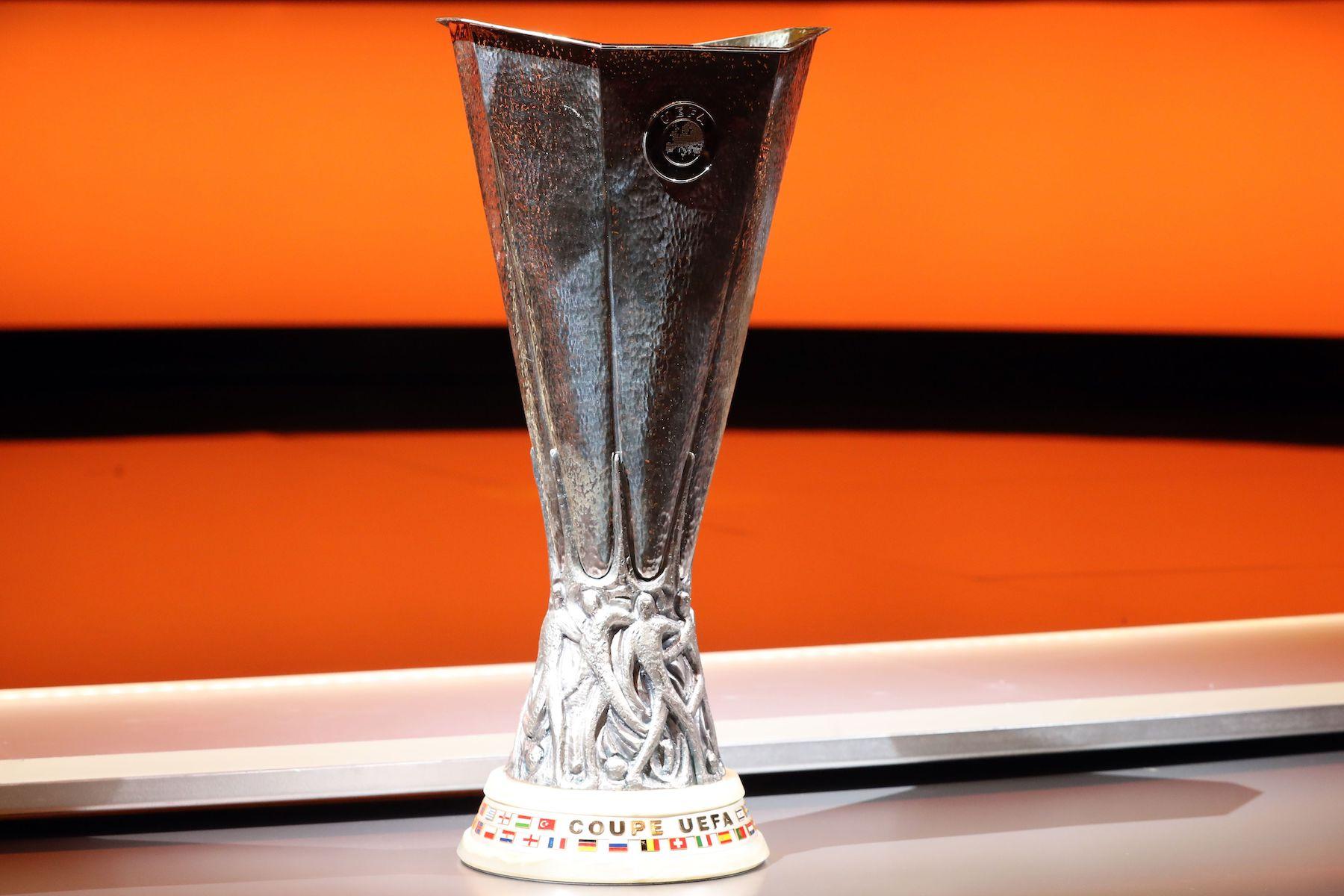 Should PSG Focus on the Europa League? - PSG Talk