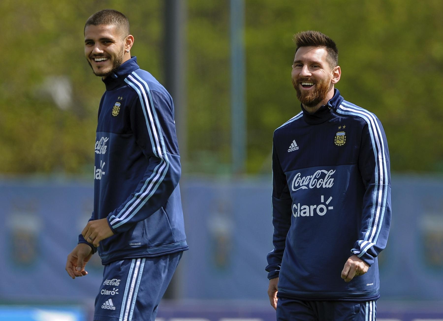 เปแอสเช สามารถถ่ายโอน อิคาร์ดี้ เพื่อระดมทุนในการเซ็นสัญญากับ Messi