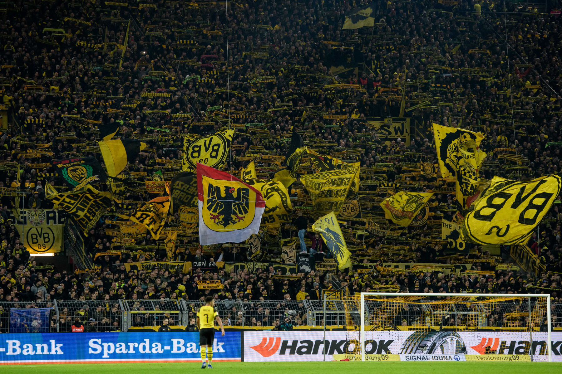 It S Serious Zagadou Warns Psg About Dortmund S Yellow Wall Psg Talk