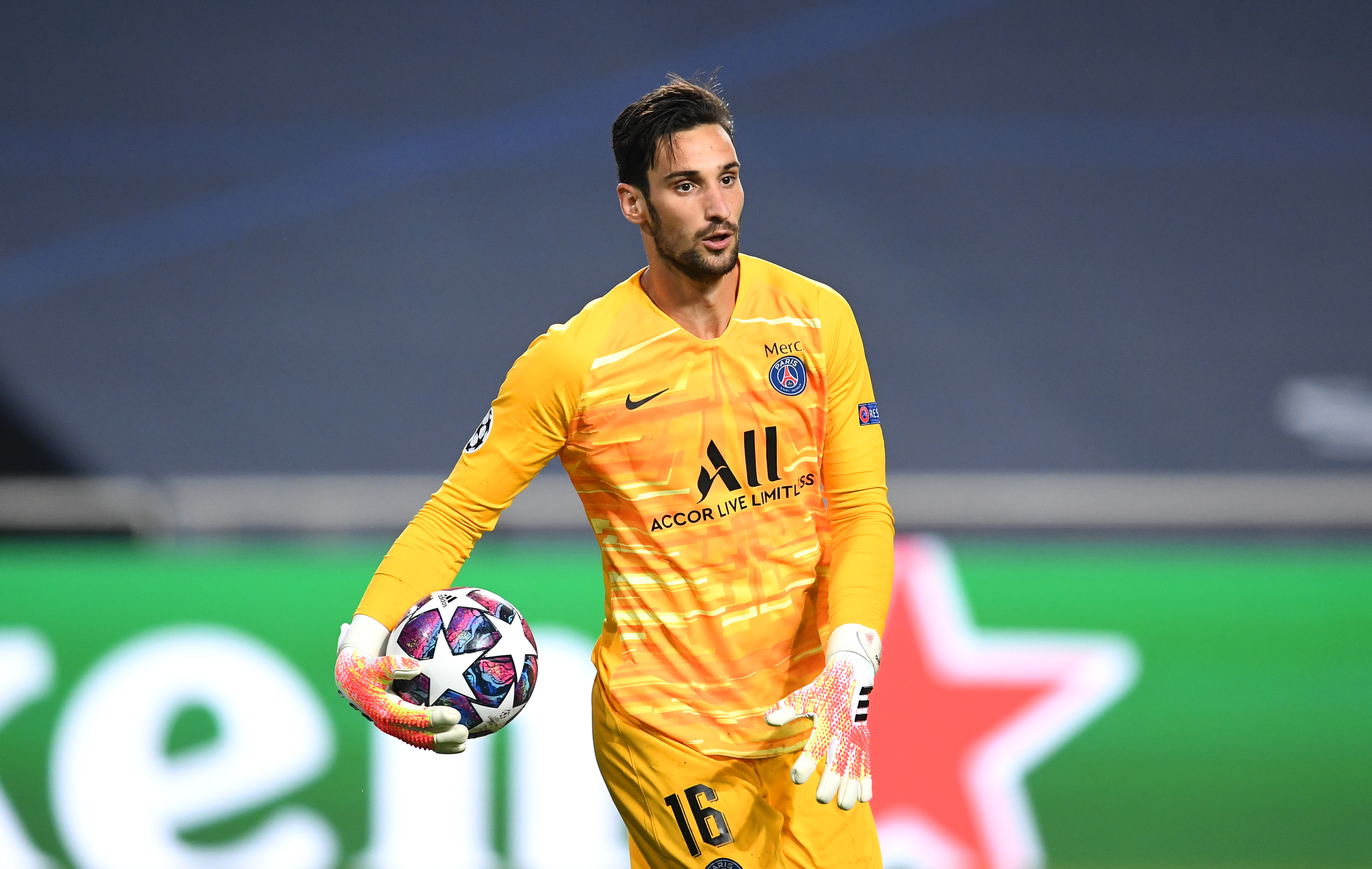 Video Sergio Rico On His Performance Against Rb Leipzig And Possibly Starting The Champions League Final Psg Talk