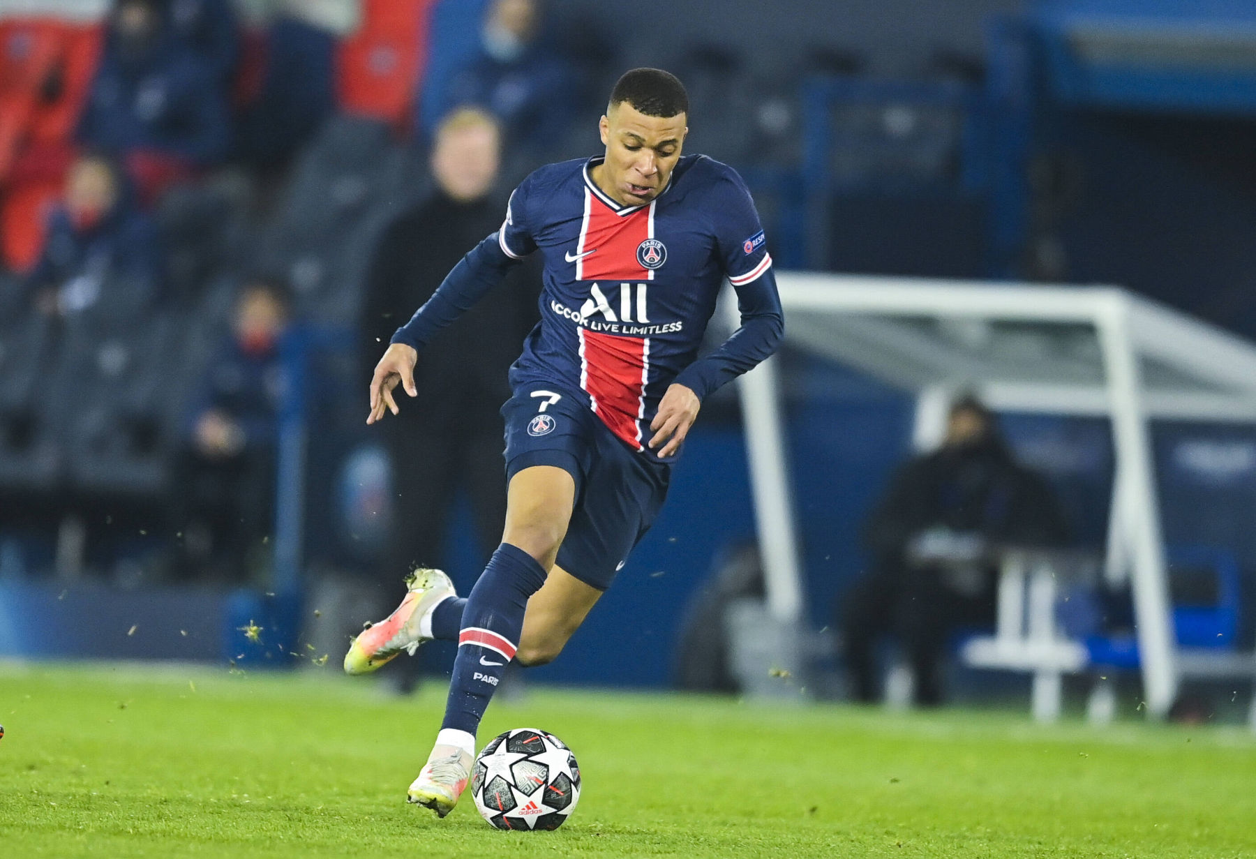 Video: Kylian Mbappé on His Relationship With Neymar - PSG ...